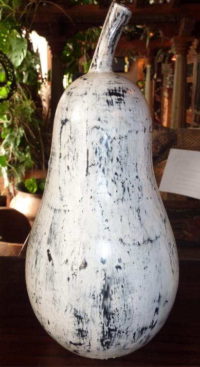 Poire en bois peint, 26cm /Destock -30%