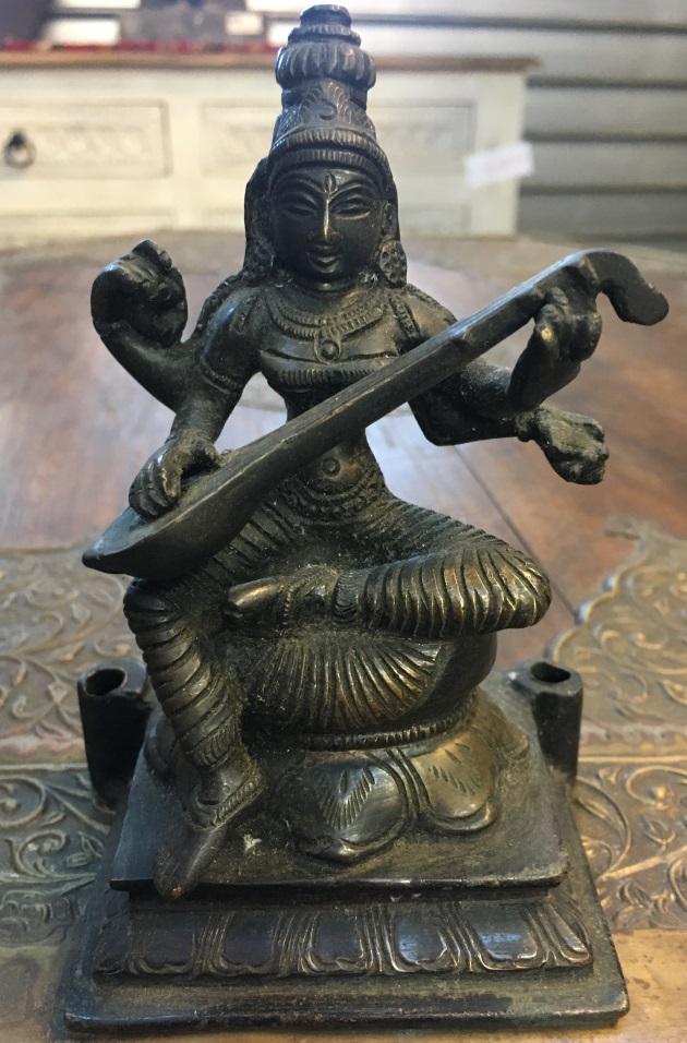 Sarasvati en métal, 20cm