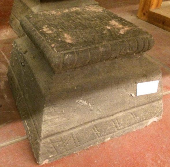 Socle de colonne en pierre /Destock -30%