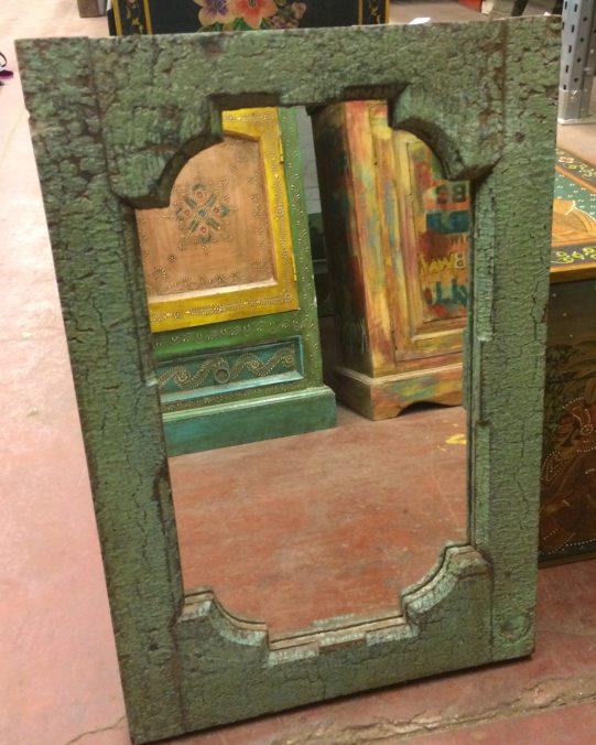 Miroir: cadre en bois peint, patine à l'ancienne, 50x34.5cm