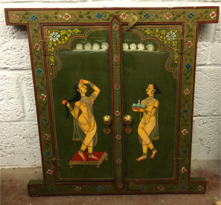 Fenêtre en bois peint du Rajastan, 61x60cm