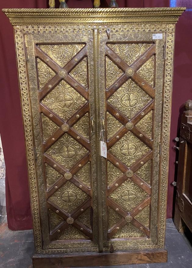 Armoire portes laitonH150 X L90 X P40
